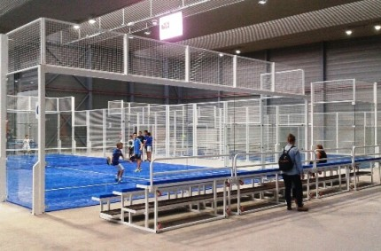 Paddle Courts, Stand and Changing rooms in Sport Club La Bandeja Padel, Pamplona